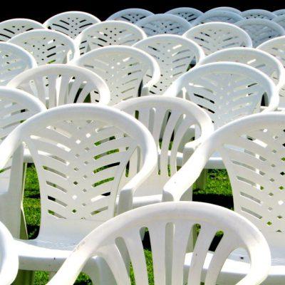 Plastikowe meble ogrodowe – czym mogą nas zaskoczyć?
